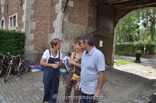 Marché-Chateau-Waleffes01