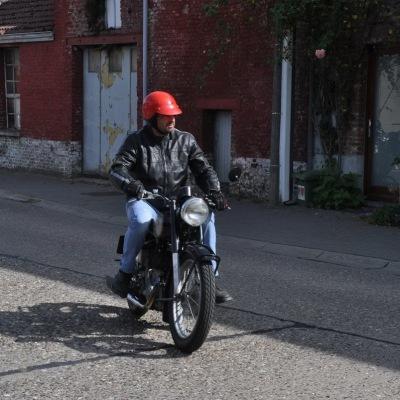 unemainalautre-chili-moto063