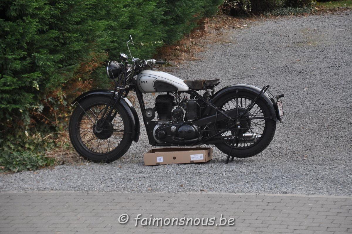 unemainalautre-chili-moto113
